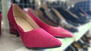 オフィスカジュアル 靴 女性