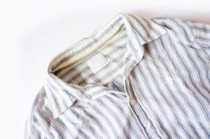 シャツ 背中 黄ばみ 原因